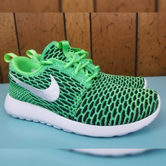 best website e595d 2c336 Nike FlyKnit Roshe Womens Running Sneakers. M_5afa570e84b5cef47c2e35e7